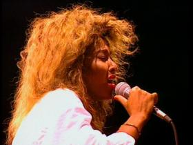 Tina Turner Be Tender With Me Baby (Live)